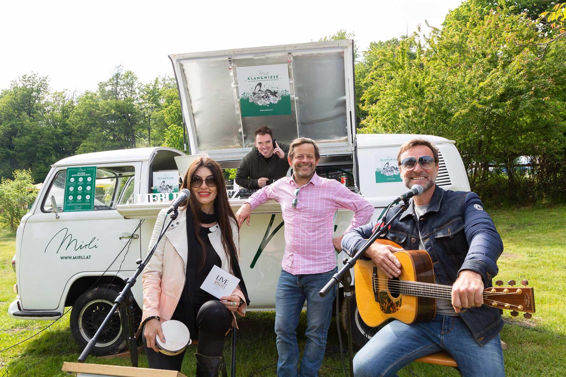 Klangwiese Bus mit Monika Ballwein, Alexander Zoubek, Andi Gabauer und DJ Stari