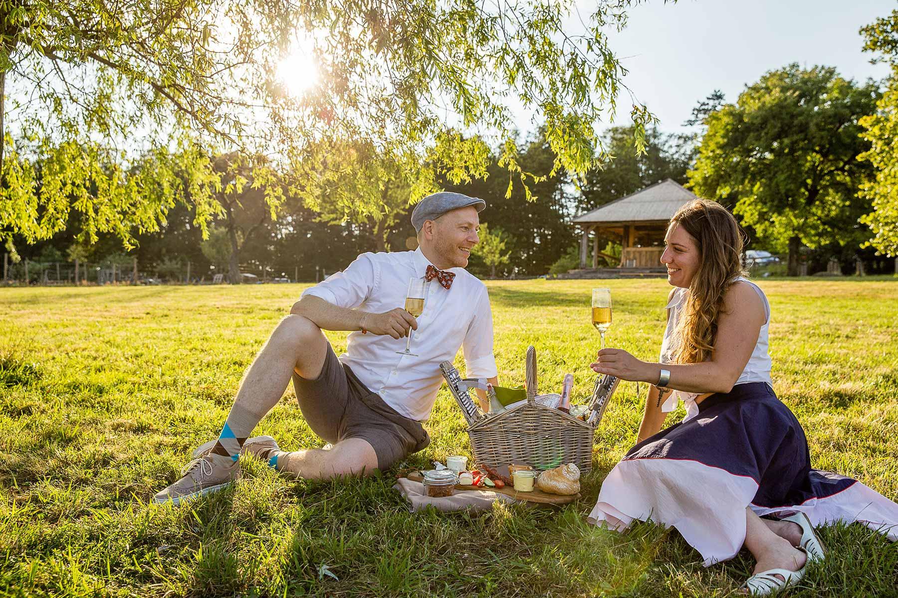 Picknick Pärchen Mirli Wiese